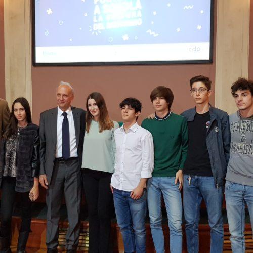 """Gli studenti del Liceo Kennedy all'evento di lancio del progetto """"Il risparmio che fa scuola"""""""